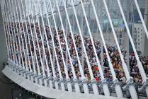 Люди на мосту