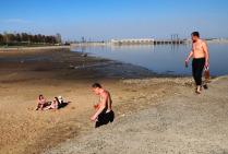 Май. Выходной день на берегу Обского водохранилища.