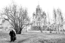 Старушка и храм