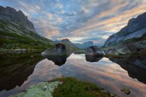 Рассвет над озером Горных Духов