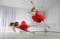 Девочки в красном