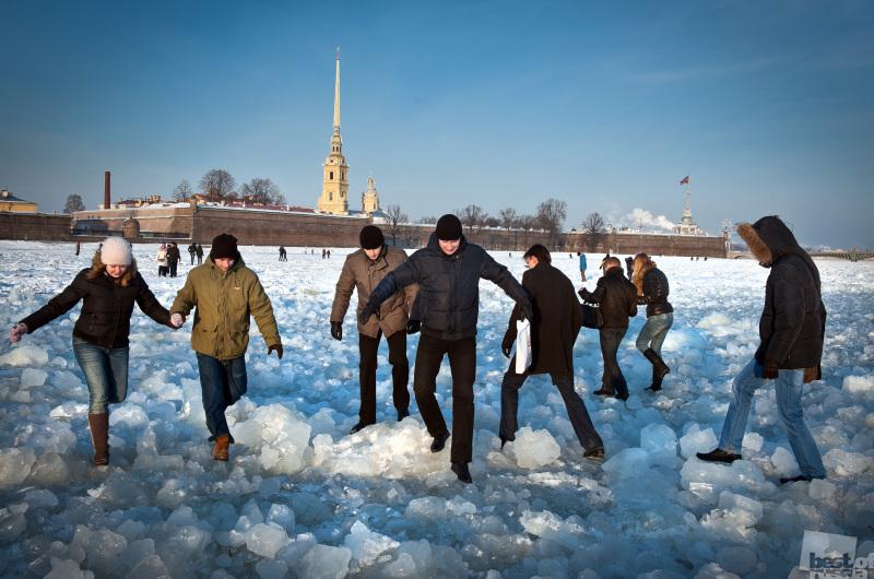 Переход Невы по льду