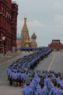 Кремлёвская вереница