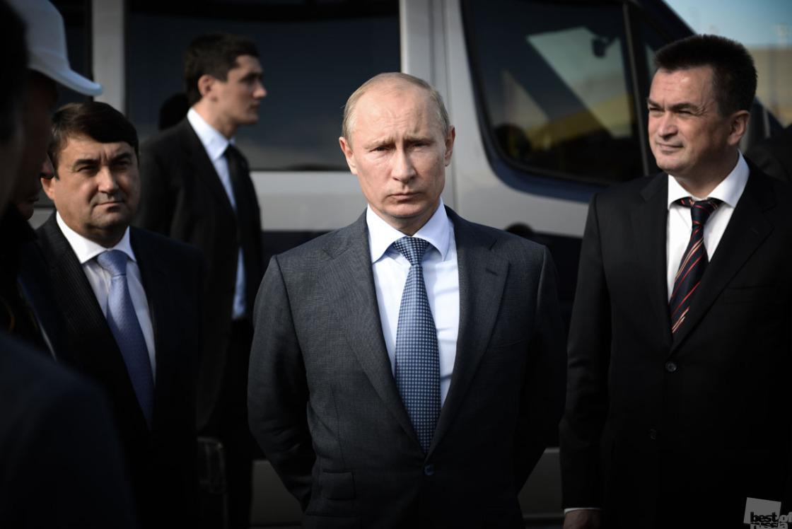 Владимир Путин, на открытии авиазаправочного комплекса НК Роснефть