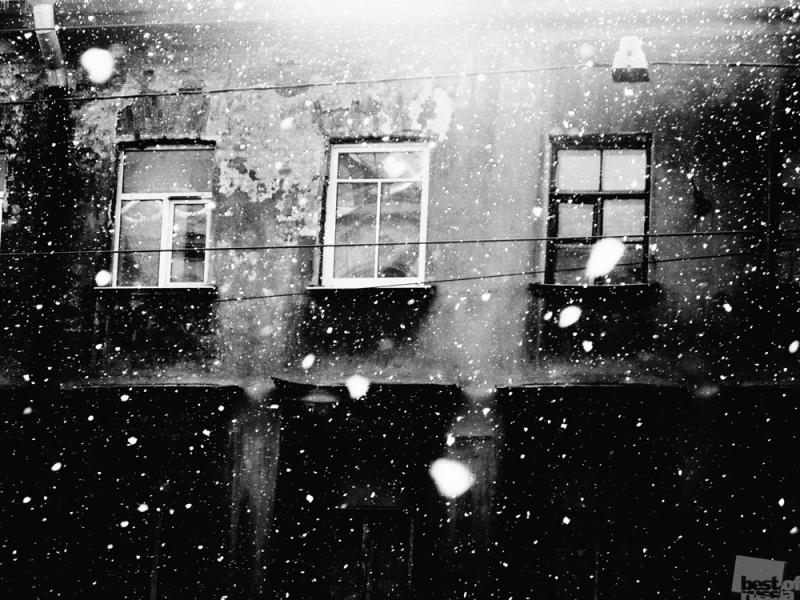 Падает снег, кружится снежок...