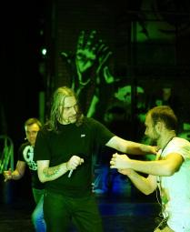 Михаил Горшенёв на репетиции рок-мюзикла Тодд