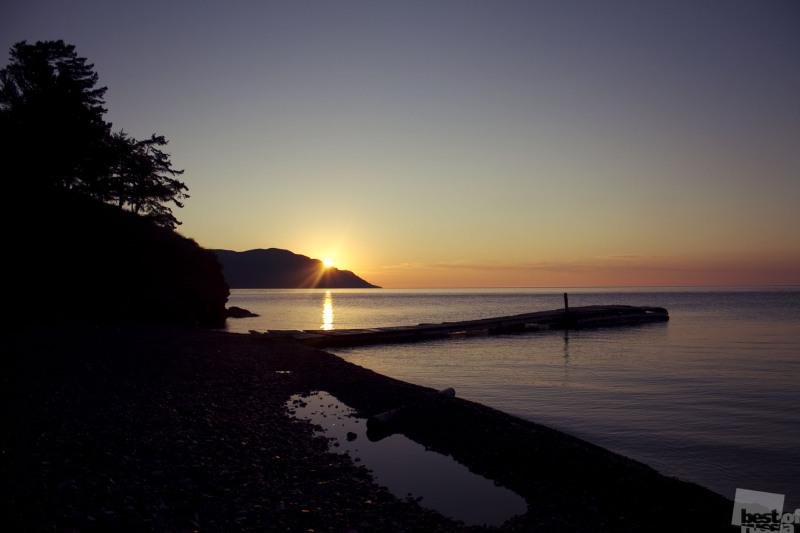 Рассвет на озере Байкал