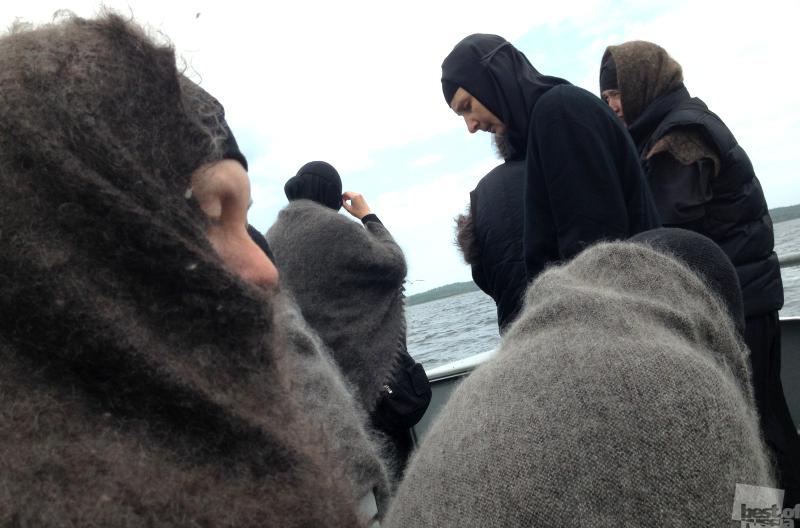 Монахини-паломницы на Соловках