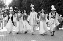 Казахские девушки в духе Соцреализма