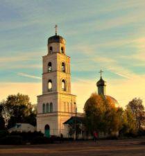 Сельская церковь.