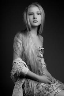 Волосы цвета льна