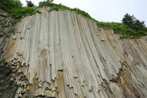 Мыс Столбчатый. Каменный водопад.