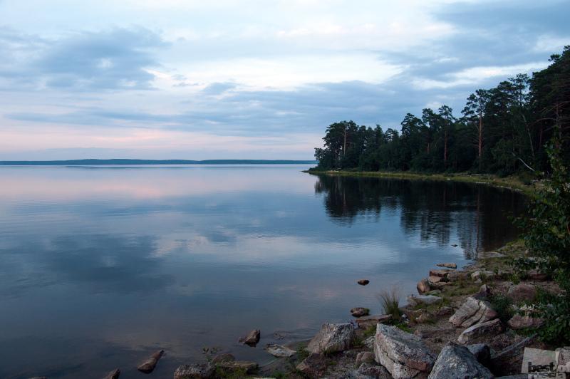 Sunset minutes over the Sinara lake
