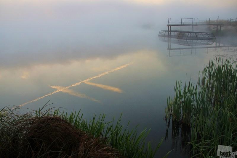 Туманное утро на неизвестном пруду