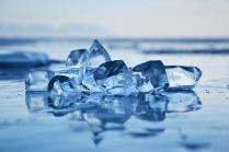 Чистый Байкальский лёд