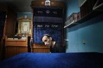 Феликс в синагоге.
