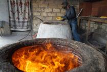 Выпечка хлеба в тандыре