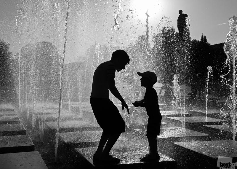 Встреча в городском фонтане