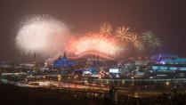 Салют ознаменовавший конец Игр в Сочи