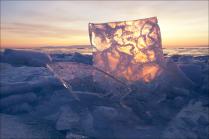 Льды озера Байкал, утро