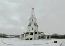 Серый день в белоснежном Коломенском