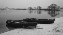 Лодки. Первый снег.