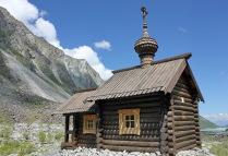 Часовня Архангела Михаила у подножия горы Белуха