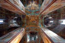 Под сводом Успенского собора