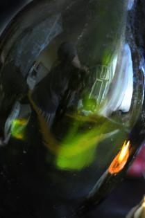 В поисках натюрморта. Автопортрет в зеленой бутылке.