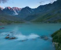 Тихий вечер на ледниковом озере...
