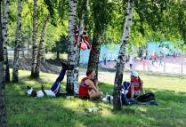 Отдых норвежских легкоатлетов.