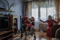 Из серии о матерях-одиночках, воспитывающих детей-инвалидов.