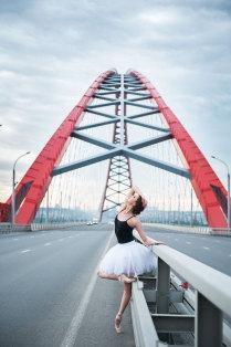 Балет на мосту
