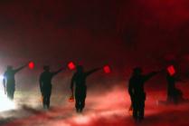 70лет Победы. Красные флажки военных идым отгаубиц заставляют вспомнить озловещих моментах войны, которая вполне может повториться
