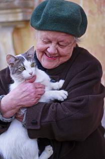 Баб Маша и кошка Дуся