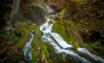 Водопад из пещеры Исеченко