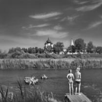 Суздаль. Летний день на речке Каменке. Монокль.