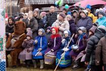 Зрители кукольного театра Петрушки