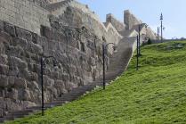 Стены крепости Нарын-Кала