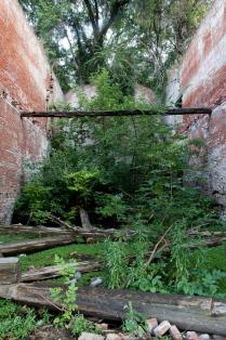 Парамоны, руины федерального значения.