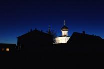 вечер у монастыря