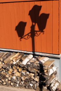 Свет на дровах