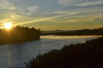 Восход над рекой