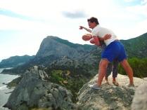 Танцы на вершине горы