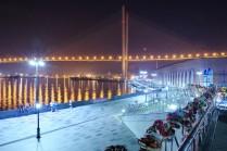 Набережная Цесаревича во Владивостоке ночью