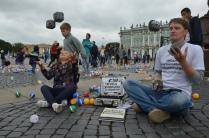 Уроки жонглирования булыжниками в День Знаний