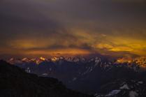 Тень от горы Эльбрус