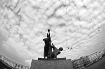 Статуя покорения коня на Аничковом мосту