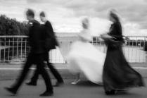 Идет невеста