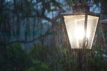 дождь..улица ...фонарь..